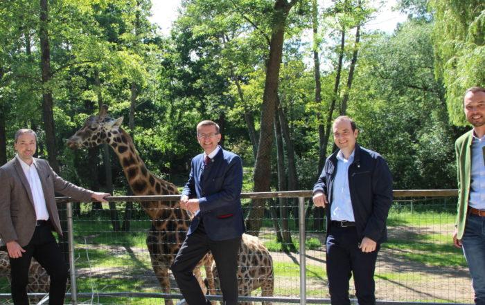 Im Zoo Schmiding mit Landesrat Achleitner